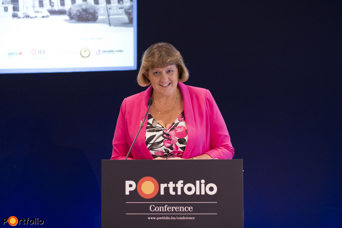 Dr. Louise Brooke-Smith FRICS (Immediate Past Global President (2014-2015), RICS)