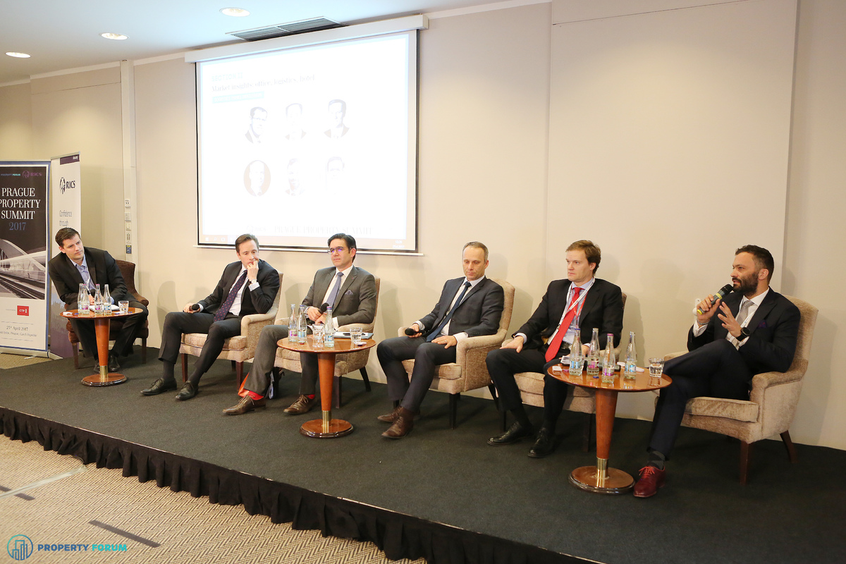 Logistics panel discussion. Participants: Martin Polak (Senior Vice President, Regional Head for CEE, ProLogis), Bert Hesselink MRICS (Head of Industrial & Logistics, Senior Director, CBRE), Tomáš Míček (Country Head Czech Republic, Member of Management Team, P3 Logistic Parks), Jaroslav Kaizr MRICS (Business Director, CTP), Ferdinand Hlobil (International Partner and Head of Industrial in CEE, Cushman & Wakefield), Bartosz Mierzwiak, Managing Director, Central & Eastern Europe, Logicor).